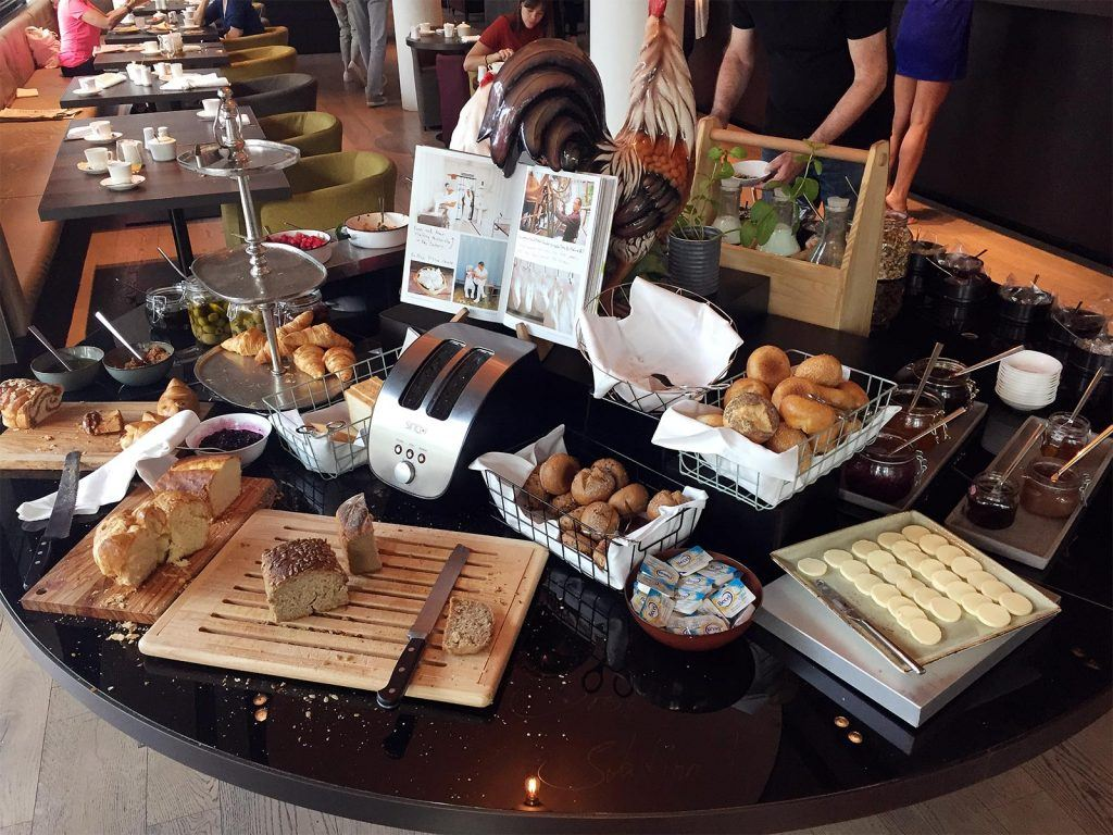 Frühstück im Hotel Roomers Baden-Baden